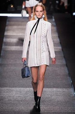 パリコレモデルに学ぶ女装の綺麗な歩き方