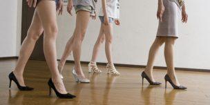 女装の綺麗な歩き方